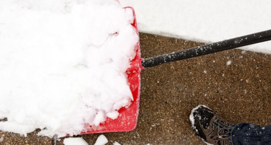 snow shovel winter tips