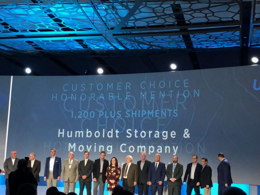 Humboldt President, Jim Sullivan accepts UniGroup Customer Choice Award.